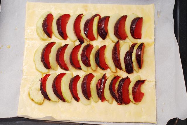 plum n' apple tart2